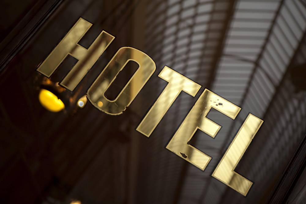 Jak wygląda proces meldunku w hotelach?