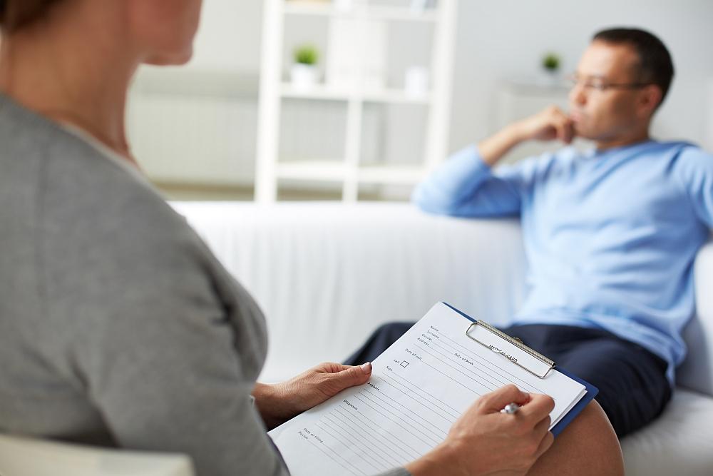 Kiedy facet żałuje rozstania – psycholog